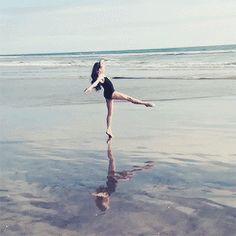 Maddie Ziegler behind the scenes of her Sharkcookie photoshoot [2014]