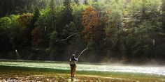 Casting a Two handed flyrod on the Skagit River, Washington State