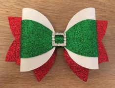 30 Ideas Diy Christmas Bows Hair How to Make for 2019 Making Hair Bows, Diy Hair Bows, Diy Bow, Diy Ribbon, Bow Hair Clips, Christmas Bows, Christmas Crafts, Xmas, Diy Leather Bows