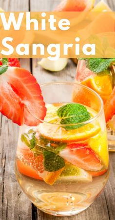 Easy white wine sangria with fresh fruits perfect for summer - light and sweet Fun Cocktails, Summer Drinks, Cocktail Recipes, Margarita Recipes, Refreshing Drinks, Cocktail Drinks, Fun Drinks, Drink Recipes, Vegan Recipes