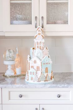 Pastel pink and blue glamorous real gingerbread house shaped like a castle - Gingerbread Castle Christmas Dessert Bar Cart White Gingerbread House, Gingerbread Castle, Cool Gingerbread Houses, Christmas Goodies, Christmas Desserts, Christmas Traditions, Christmas Baking, Christmas Wonderland, Christmas Fairy