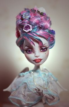 Beautifully done custom Monster High Doll made from Rochelle Goyle