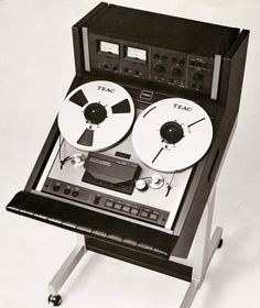 """TEAC A-6700DX 1/4"""" 2 track from 1978 in a jolly nice roll-around rack!"""