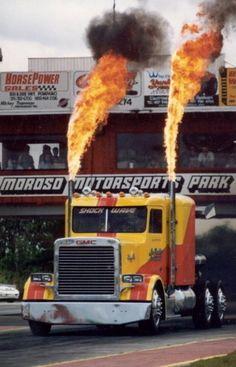 El camión más rápido del mundo                                                                                                                                                     Más