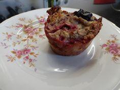 Ontbijtmuffins met havermout en zomerfruit