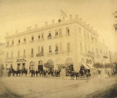 Old Athens Photos Stadiou Street. Back to Old Athens Photos Greece Pictures, Old Pictures, Old Photos, Vintage Photos, Athens Greece, Once Upon A Time, Documentaries, The Past, Greek