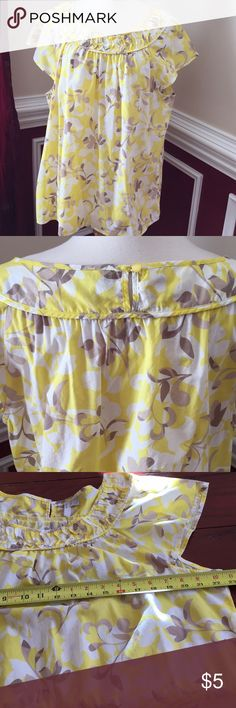 Old Navy top XL Good condition. Cap sleeves. Old Navy Tops