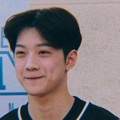 Beautiful Boys, Pretty Boys, Cute Boys Images, Rapper, Guan Lin, Lai Guanlin, Ong Seongwoo, Cute Poses, Kim Jaehwan