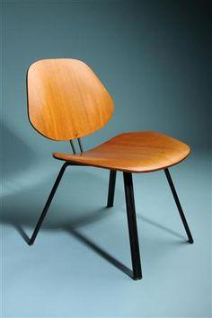 Chair, designed by Osvaldo Borsani for Techno, Italy. 1950's.
