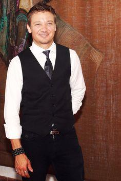 Jeremy Renner // Hum... Hi handsome !