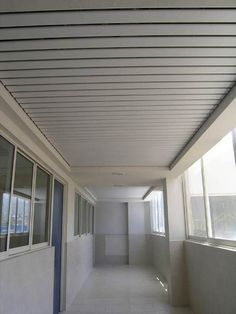 Plafones como recubrimiento para pasillos en las escuelas http://www.procovers.com.mx/