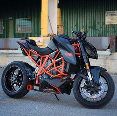 Ktm😍😍👌Dm me to feature your photo! Duke Motorcycle, Street Fighter Motorcycle, Super Bikes, Er6n, Ktm Motorcycles, Offroader, Honda Motors, Motosport, Moto Bike