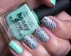 Honeydew leopard mani creation by Chit Chat Nails!  So so beautiful!