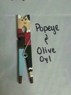 Clothes pin kissing couple. Clothes pin craft diy. Popeye & Olive Oyl