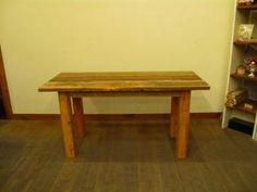 【商品コード: RWC-002 古材ワーキングカウンター 作業台テーブル】 肉厚の天板と極太の脚を組合せた頑丈なテーブルです。  古材独特のキズや汚れを出来る限り生かしました。  作業台としてもディスプレイ台としても活躍してくれますよ♪  [形状]ワーキングカウンター  [寸法]W1500xD600xH750  [材質]古材