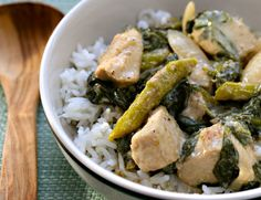 Recipe for Thai green basil curry with chicken, asparagus and spinach {http://www.theperfectpantry.com/}