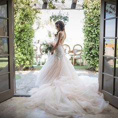 Repost from @janawilliamsphotos_ who did an incredible job photographing our gown! @anna.joy coordinator @gatherevents location @saddlerockranch @sweetandsaucy @copperwillowps @jimmychoo @makeup101 #galialahav