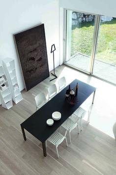 Chat Table by Bonaldo