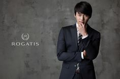 Rogatis just came out with its FW 2013 campaign, and I think it got into our daydreams. Hyun Bin in a suit proposing with a bouquet of flowers? I'm sure that's played in our heads count… Song Hye Kyo, Hyun Bin, Korean Men, Korean Actors, Secret Garden Kdrama, Bae Soo Bin, Choi Jin Hyuk, Soul Songs, Ha Ji Won
