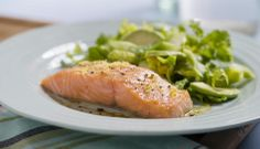 Vi har samlet 7 enkle og gode middagsretter med fisk du garantert vil få til i en travel hverdag. #oppskrift #fisk