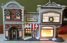 """DEPARTMENT 56 SNOW VILLAGE  1998  """"Center for the Arts"""" - Retired *Excellent*"""