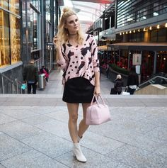Model, TV Presenter & DJ Ashley James wearing her Pearl Bowling Bag in smooth rose dust in style
