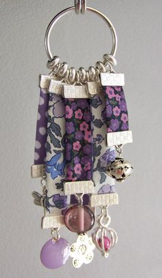 I'm trying to find items that are similar to very popular items, but unique enough for us to stand out. I'm trying to find items that are similar to very popular items, but unique enough for us to stand out. Textile Jewelry, Fabric Jewelry, Jewelry Crafts, Handmade Jewelry, Tassel Bookmark, Diy Keychain, Keychains, Fabric Beads, Bijoux Diy