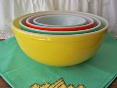 Vintage Pyrex Primary Colors Mixing Bowl Set by cynthiasattic, $115.00