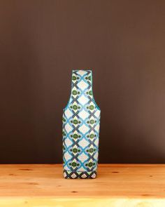 Find waxed cotton print wine totes at  Chameleon Goods $14.95 #winelover #wineaccessories