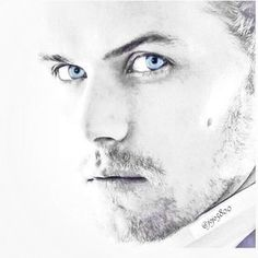 Happy Monday #samheughan as #jamiefraser #blueeyes