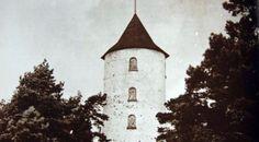 Pellingin Glosholmin majakka, Muumitalon malli. Former Glosholm lighthouse that was the imspiration to Moomin House. Lighthouse was destroyed during the last days of WW2.