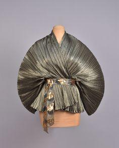 id-id-1-87_1  Giorgio Sant'angelo metallic kimono fan blouse 1970s