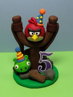Angry Birds Cake Topper by ClayCreationsbyLaura on Etsy Angry Birds Party, Torta Angry Birds, Angry Birds Birthday Cake, Bird Birthday Parties, Bird Party, My Son Birthday, Angry Birds Cupcakes, Birthday Hats, Bird Cake Toppers