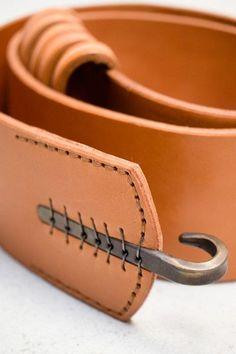embedded hardware--Johnny Farah, 5 Loop Hook Belt