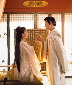 White Haired Witch, The Empress Of China, White Cherry Blossom, Korean Actresses, Chinese Actress, Traditional Dresses, Cute Couples, Korean Girl, Beautiful Women