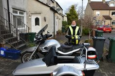 Sidecarring - http://ginoontour.blogspot.com/2016/11/sidecarring.html - A wee while since the last posting but the weather is turning wintry, the sidecar has been getting a bit of use though with the two of us sharing the riding. A trip to Coldstream today on a mix of small roads and even smaller roads, a nice but volume lacking cup of tea at the cafe at Hirsel estate, ancestral home to the Douglas-Home's. They charge £2.50 to park which is a bit of a cheek i thin
