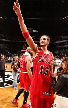 Joakim Noah - Chicago Bulls. Seriously I don't know how I became a fan (oh gosh Im a FAN!) of the Bulls. But slowly and surely this guys attitude for the game, presence on and off the court has me cheering for the Bulls. Darn you Mr. Noah..Im a Knicks fan.