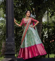 Party Wear Indian Dresses, Indian Gowns Dresses, Dress Indian Style, Indian Fashion Dresses, Indian Wedding Outfits, Indian Outfits, Half Saree Lehenga, Lehenga Saree Design, Lehenga Designs