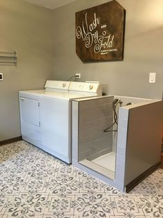 26 Small Laundry Room Decoration Ideas For You Act Before it's Too Late | Justaddblog.com #laundryroom #laundryroomideas