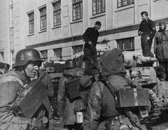 """Panzergrenadiers of 3.SS Panzer Division """"Totenkopf"""" , Kharkov , March 1943 _____________________________ #history #militaryhistory #tank #warthunder #panzerschreck #ukraine #ussr #russia #wehrmacht #luftwaffe #kriegsmarine #ss #waffenss #award #medal #german #germany #deutsch #deutschland #camo #army #panzer #spain #espanol #munich #whiterose FOLLOW THE CREW @_grossdeutschland_ @armor.of.war @ww2.germanstuff @german.ww2.history @german_ww2_page @german_wars_page @that40skid"""
