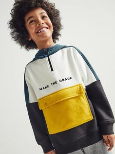 Zip closure at yoke and flap pouch pocket at front with snap buttons. Jogging, Zara, Hooded Sweatshirts, Hoodies, Fashion Kids, Kind Mode, Kids Wear, Kids Boys, Color Blocking