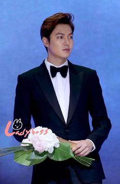 26/5/2016 , Lee Min Ho ... When He Received His First Award  ( The Best Popular Korean Actor ) In Paek Sang Arts Award ...
