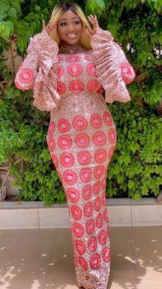 African Dresses For Women, African Attire, African Fashion Dresses, African Print Fashion, Africa Fashion, Estilo Abaya, African Lace Styles, Kente Dress, Plus Size Dresses