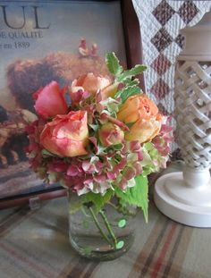 A simple but stunning Fall bouquet by Moments of Delight...Anne Reeves