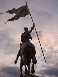 """I am not afraid. I was born to do this""- Joan of Arc #beliefschool #beliefschoolcoached #paulagosney"