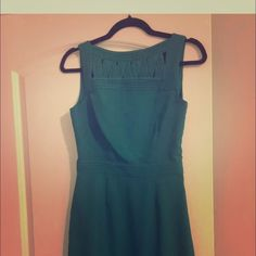 Banana republic teal dress size 0. Great condition ! Awesome sheath dress. Knee length. Worn only a few times Banana Republic Dresses