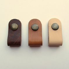 Earbud / earphone / cable organizers in natural , honey and brown vegetable tanned leather, handmade by RinartsAtelier