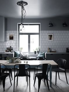 A Modern Industrial Interior with Greenish Blues - NordicDesign Interior Desing, Home Design Decor, Blog Design, Design Design, Graphic Design, Kitchen Interior, Interior Design Living Room, Design Interiors, Kitchen Dining