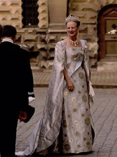 Royal Flashback of the Day: Margrethe and Henrik's Silver Wedding Denmark Royal Family, Danish Royal Family, Grand Cayman Island, Queen Margrethe Ii, Royal Look, Danish Royals, Silk Brocade, Crown Jewels, Royal Fashion