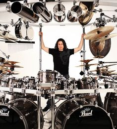 loved by all guys frd. Mike Mangini, Drum Tattoo, Pearl Drums, Dream Theater, Jazz Funk, Dj Equipment, Drum Kits, Thing 1, Paulo Freire